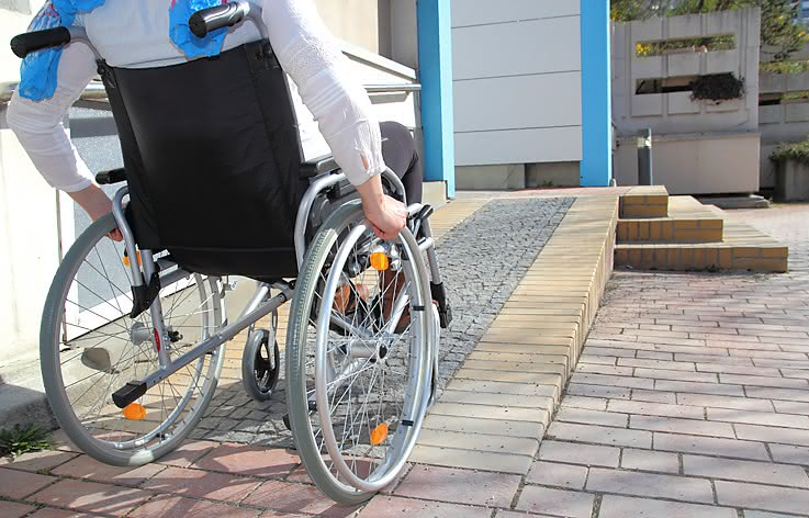 Rollstuhl Barriere