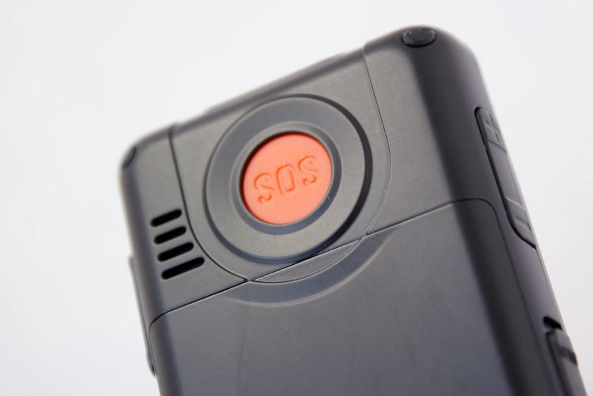 Seniorentelefon von hinten mit SOS Knopf