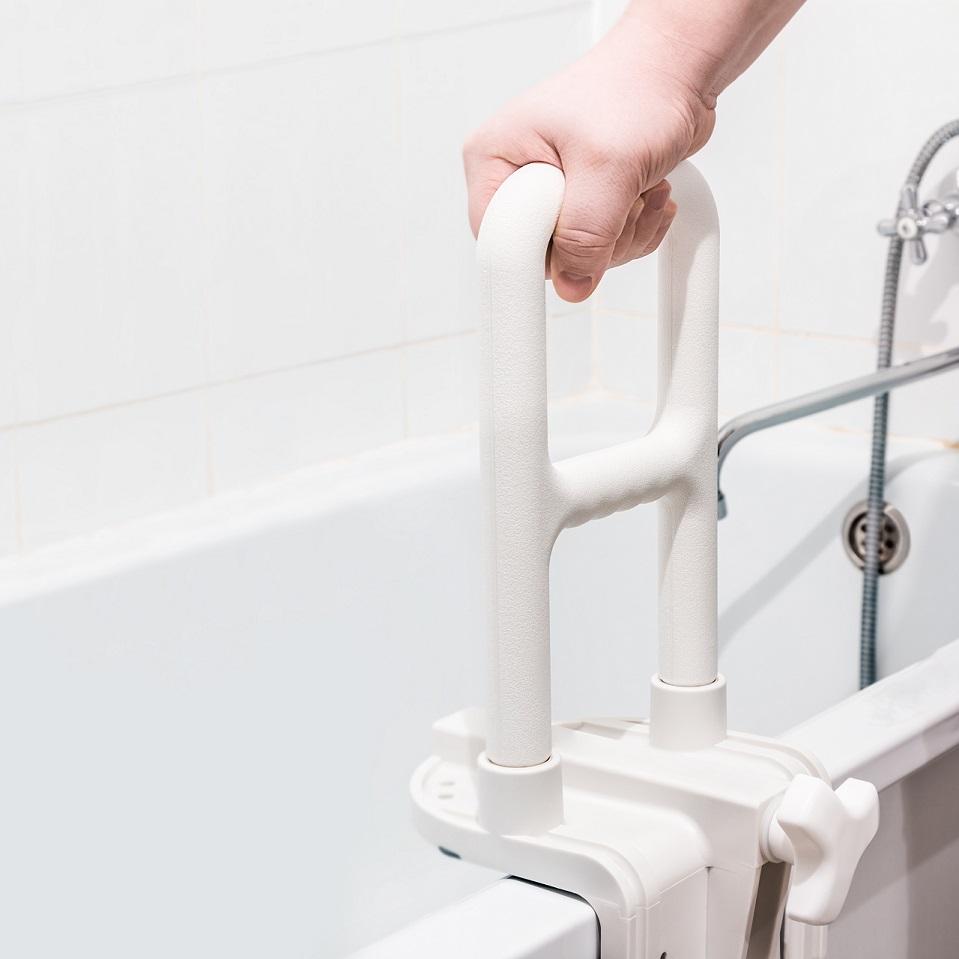 Ein Altersgerechtes Bad Worauf Ist Zu Achten Alippi Magazin - Altersgerechtes badezimmer